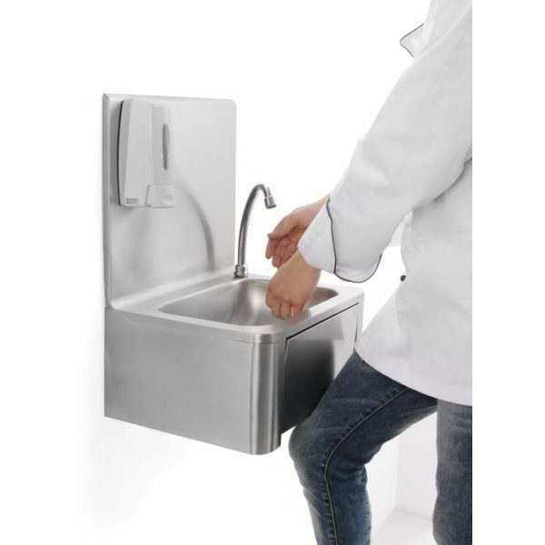 Lave-mains avec commande genou